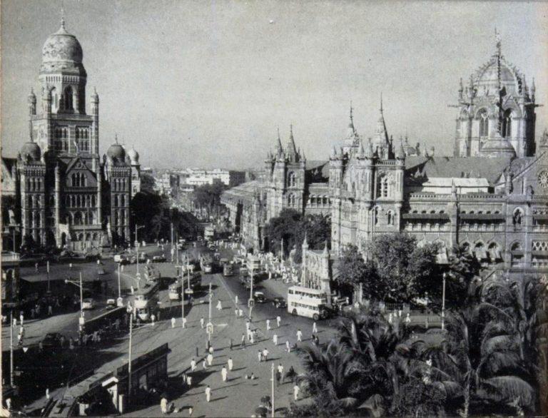 Victoria Terminus (right) and Municipal Corporation HQ (left)