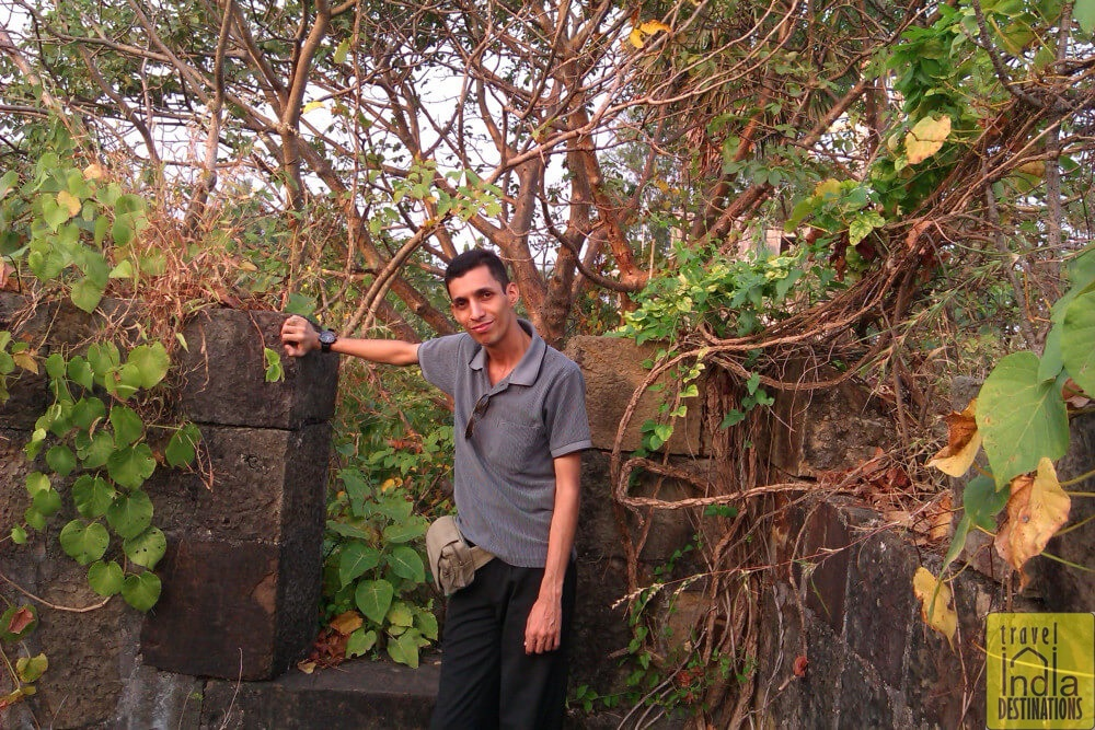 Sharukh at Vasai Fort